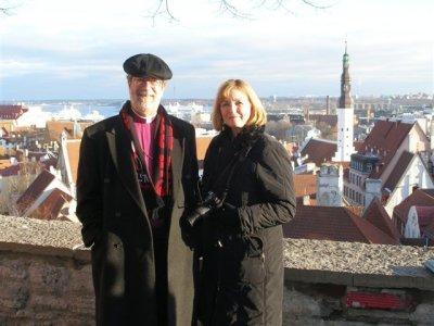 Piiskop Bates abikaasaga Toompeal